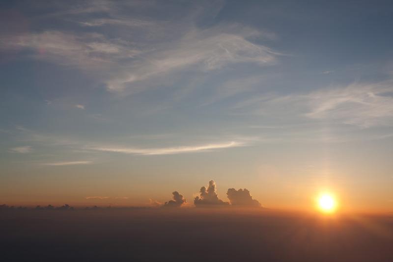 吉田口から富士登山!山頂でしかみられない絶景と来光