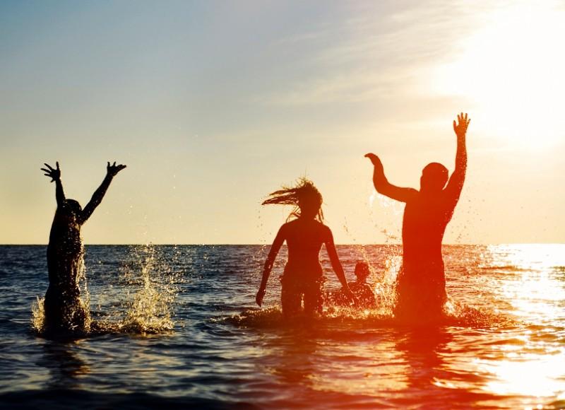 夏だ!海だ!海水浴だ〜!海水浴に持っていきたい持ち物リストと静岡県の海水浴場①
