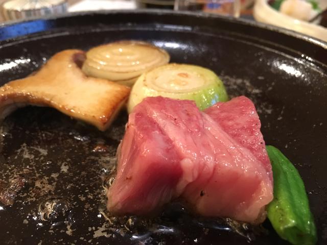 壺中の天宿○文の肉料理