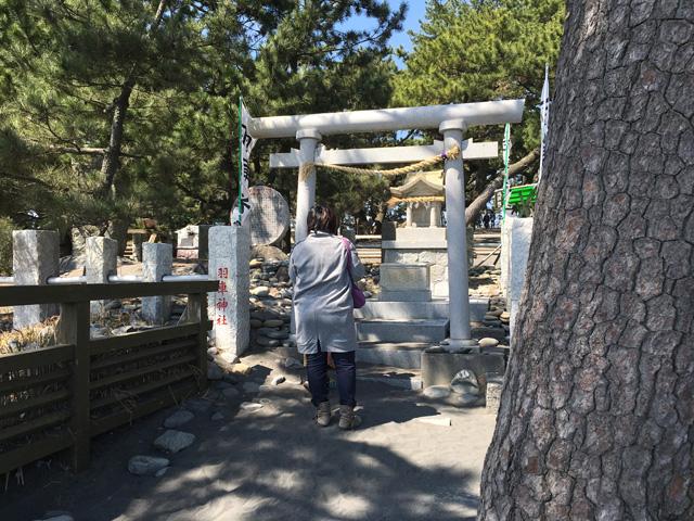 羽車神社 女性参拝客