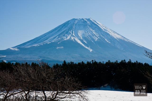 道の駅「朝霧高原」からの富士山