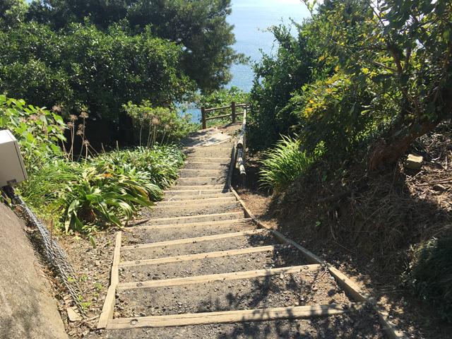薩埵峠の展望台へ