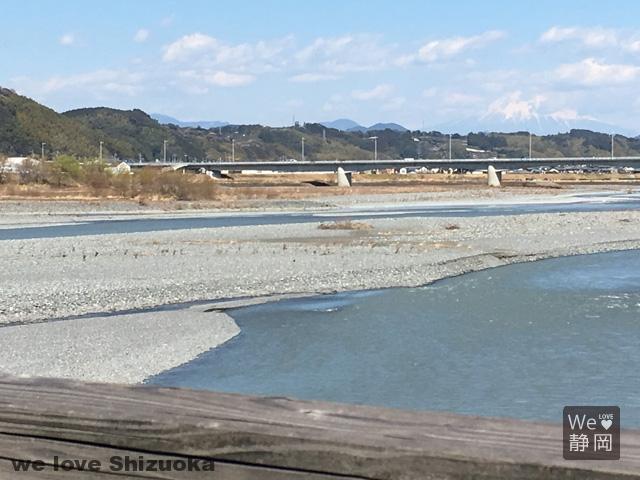 蓬莱橋と富士山