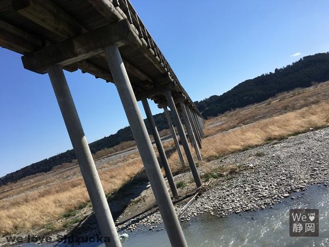木造の蓬莱橋