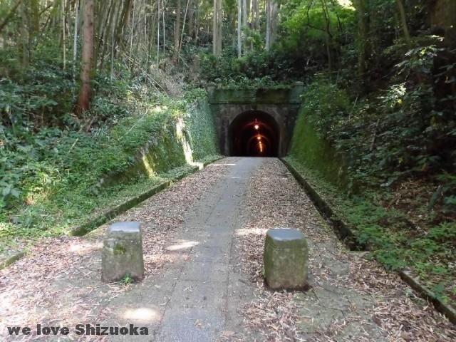 宇津ノ谷集落トンネル