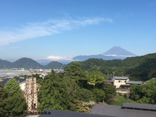 韮山反射炉と富士山