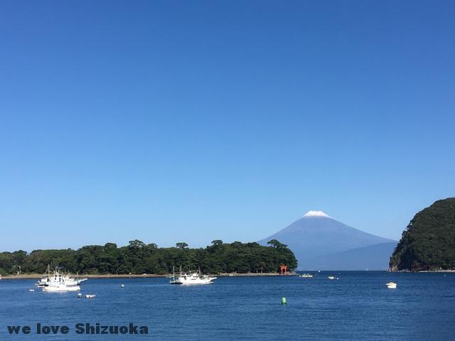 御浜と富士山