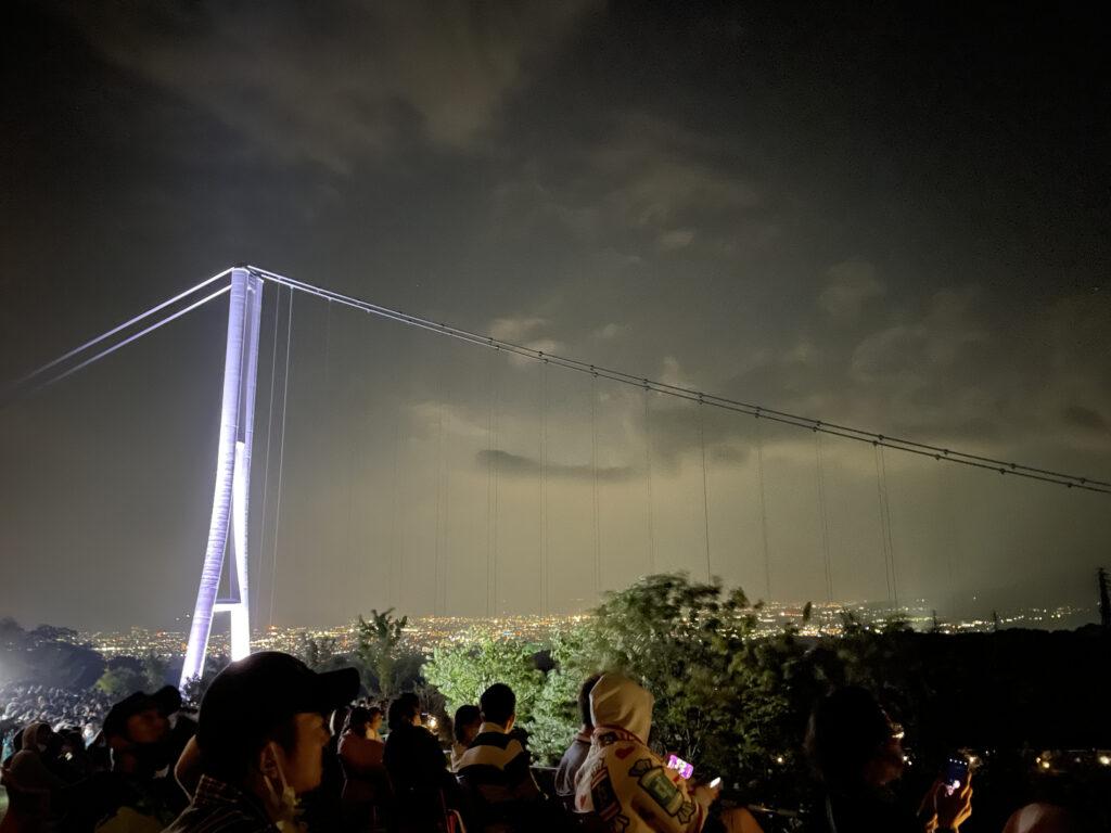 三島スカイウォーク越しの夜景
