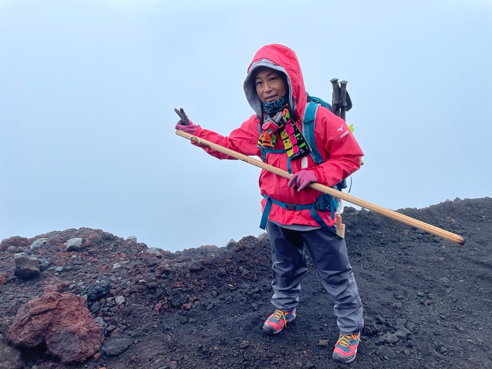 富士山頂は真っ白